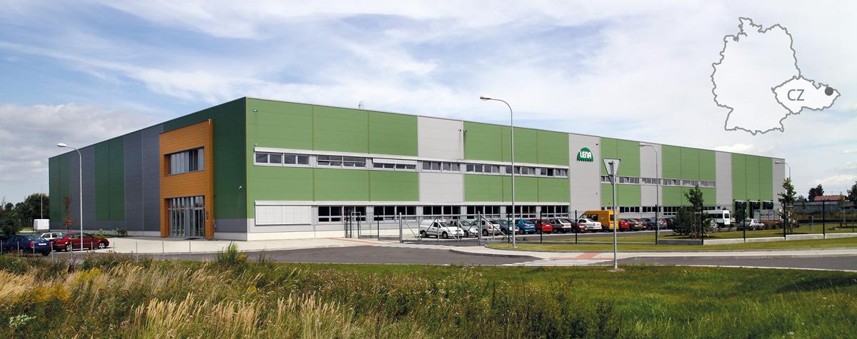 Das Bild zeigt das Firmengebaeude von LENA hracky in Dolni Benesov, Tschechien.
